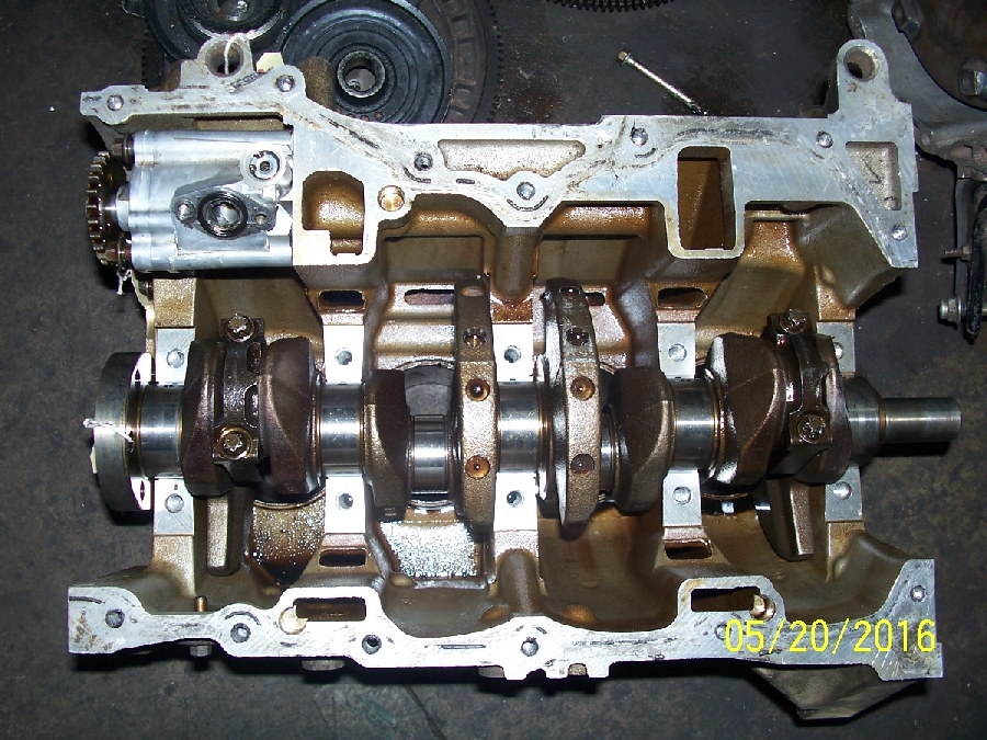 7-ford-focus-20-mazda-engine-block-&amp-crankshaft